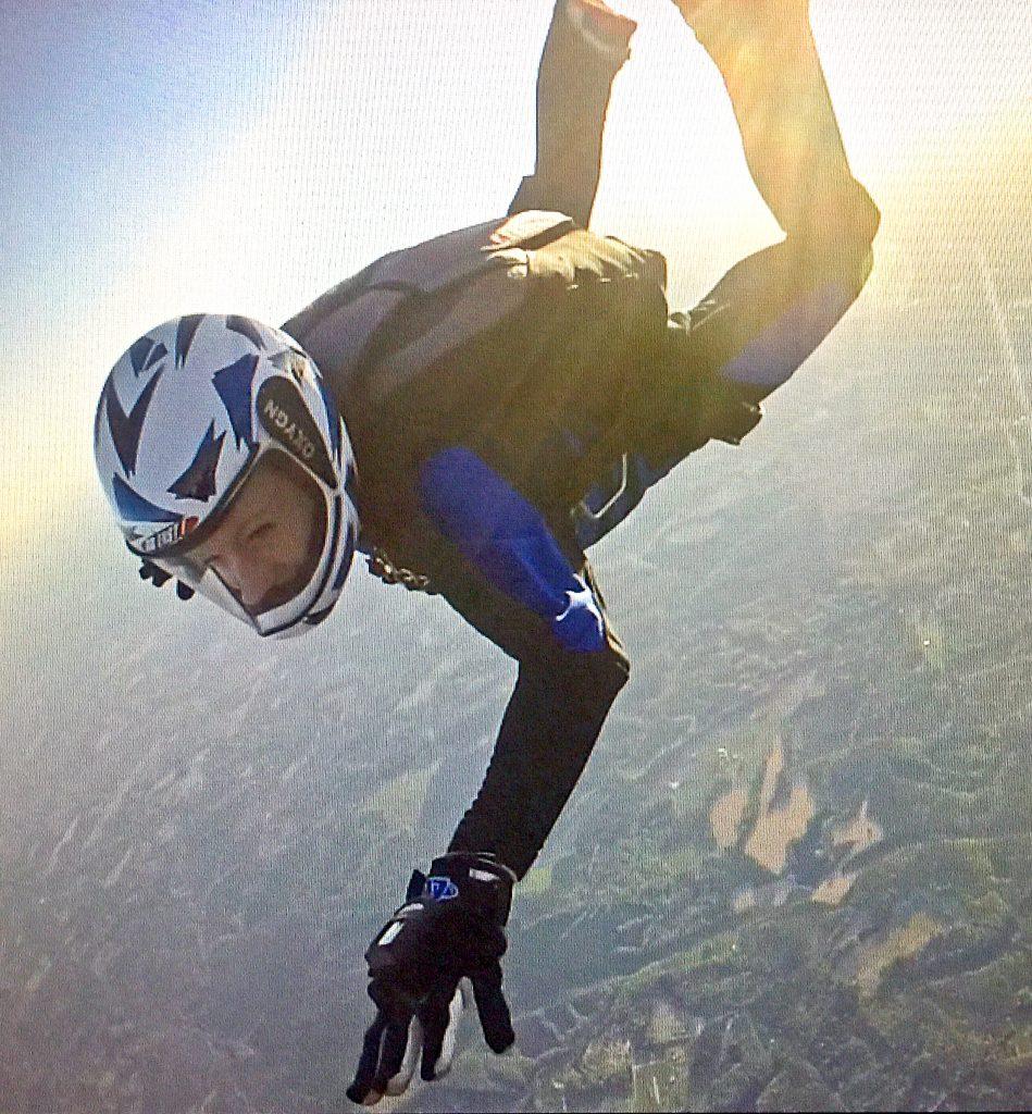 Anna-Lisa skydiving