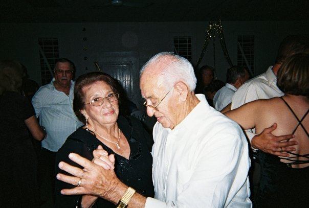 Tish's parents (Emilio & Elisa) dancing together.