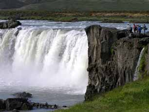 Iceland_Godafoss-Waterfall_web.jpg