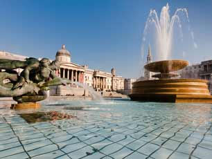 England - Trafalgar Square & National Gallery